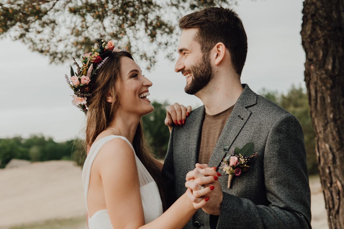c068b9c89589e Vy sami ste už manželia a zároveň spolu doslova vytvárate spomienky pre  iných. Čo vám táto spoločná práca dáva a čo naopak berie?