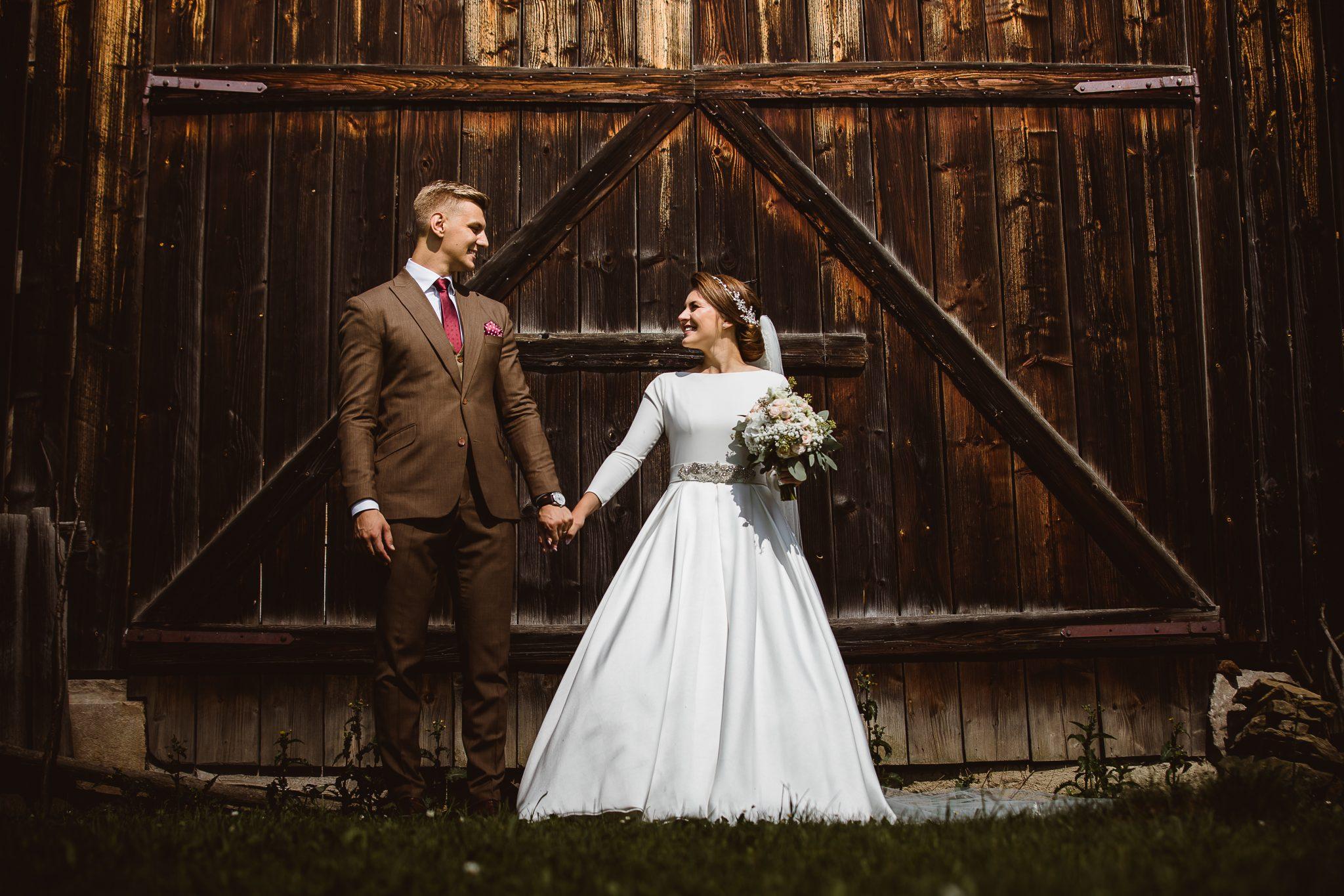 8049e9555951 A veľakrát to nie je iba o popise svadobných šiat či výzdoby
