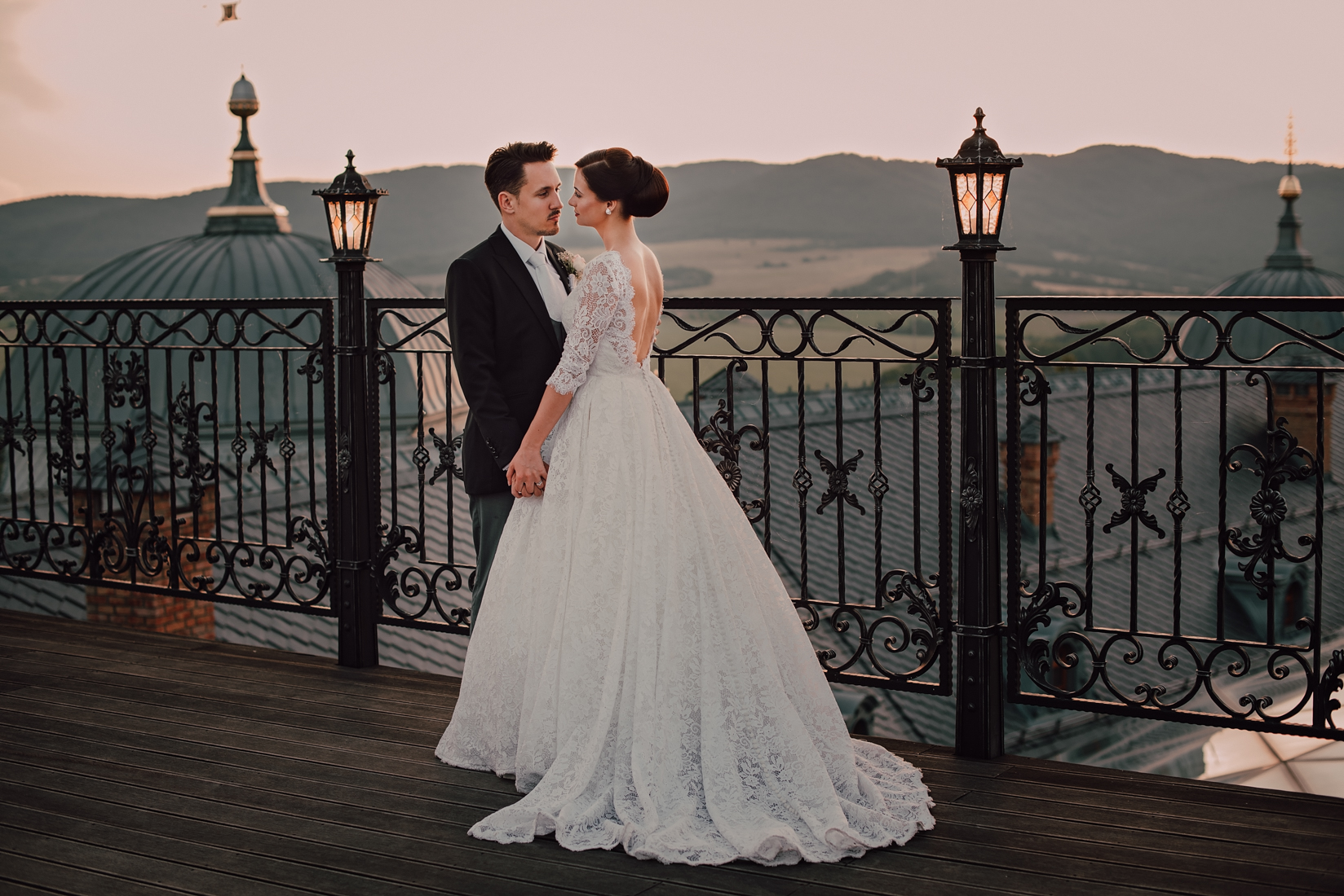"""c9b247afc Je to miesto, ktoré dýcha kráľovskou atmosférou a jeho okolie je zárukou  prekrásnych svadobných fotografií. """"Najviac je využívaná Dvorana Arcadia s  ..."""