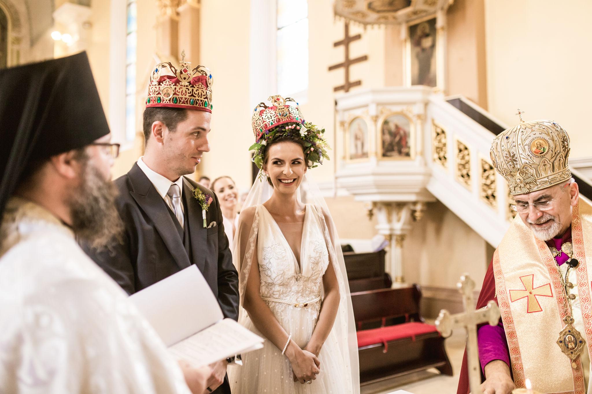 678d90e8d5 Zachovanie svadobných zvykov bolo pre mňa veľmi dôležité. Napríklad  čepčenie nevesty je veľmi emotívna časť svadby